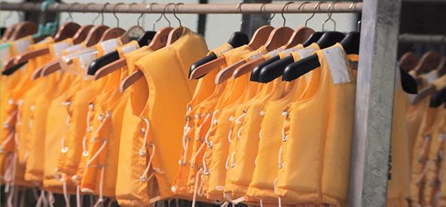 膨張式ライフジャケットの洗濯方法